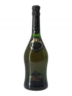 Champagne Veuve Clicquot Ponsardin La Grande Dame Brut 1975 Bottle (75cl)